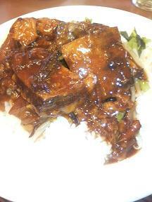 20110821-たまには外食-セルテの三熙(さんき)で角煮丼定食-角煮丼アップ.jpeg