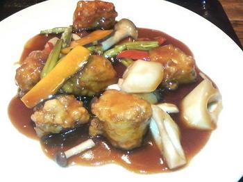 20130423-たまには外食-桜木町ワシントンホテルの青龍門で黒酢豚-アップ.jpeg