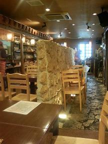 20101029-たまには外食-ゆうなんぎぃにてゴーヤチャンプルー-店内01.jpeg