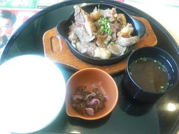 20120527-たまには外食-ガストで牛煮込み鉄板定食だぜぇ-全景.jpeg