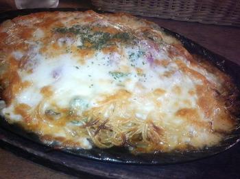 20120605-たまには外食-10年ぶりのホフフロウで名物ピザスパ-アップ.jpeg