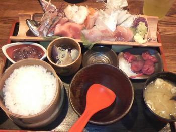 20130524-小田原のOHASHIで刺身のランチ-全景-1575円.jpeg